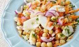 salada de bacalhau com grao de bico